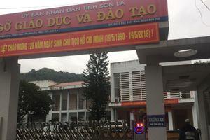 Tổ công tác của Bộ GD&ĐT chấm thẩm định bài thi xuyên đêm tại Sơn La