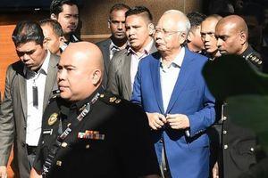 Malaysia xem xét lại tất cả dự án 'tơ lụa' của Trung Quốc