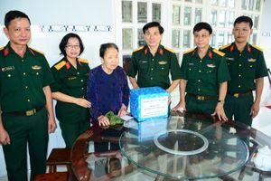 Tổng công ty Thái Sơn thăm, tặng quà các Mẹ Việt Nam anh hùng