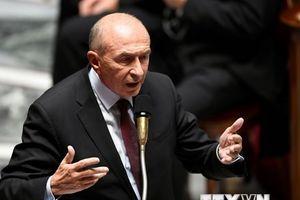 Ông Collomb bị chất vấn vụ trợ lý an ninh của Tổng thống Macron