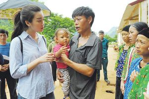 BTC cuộc thi HHVN thăm hỏi gia đình thiệt hại do bão số 3