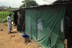 Cuộc sống 'nghèo khổ cùng cực' của người dân ở quốc gia giàu có hàng đầu Châu Phi