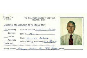 Hơn 100 cựu sinh viên Mỹ tố cáo... cố bác sĩ bệnh viện trường đại học lạm dụng tình dục