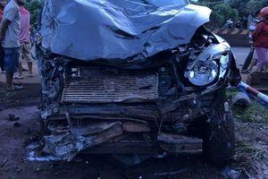 Ô tô 'điên' tông liên hoàn xe máy 2 người chết