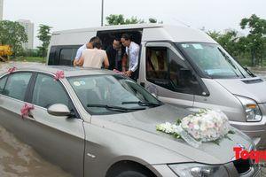 Hà Nội: Chú rể vượt 'phố sông' đón cô dâu về dinh