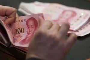 Gánh nặng tài chính đè nặng vai của bố mẹ trẻ Trung Quốc