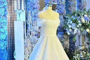 Cận cảnh váy cưới đẹp giản dị của Á hậu Tú Anh