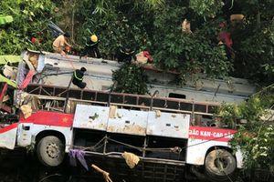 Yêu cầu khởi tố vụ xe khách lao xuống vực ở Cao Bằng