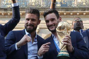 'Chân gỗ' tuyển Pháp cạo trọc vì cúp vàng World Cup