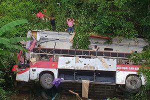 Xe khách giường nằm lao xuống vực Cao Bắc, 3 người tử vong