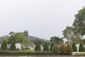 Đoàn công tác Báo Nghệ An dâng hương tại Tượng đài Mẹ Việt Nam anh hùng