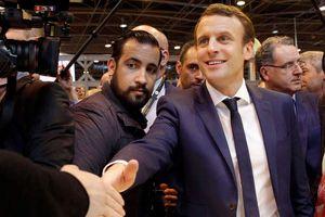 Tổng thống Macron gặp sóng gió vì cận vệ