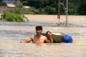 Nước sông Bưởi lên nhanh, 5 xã huyện Thạch Thành bị ngập nặng
