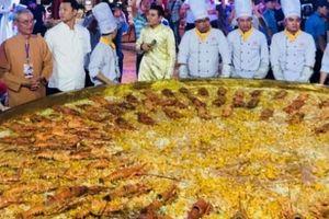 Trước tô phở bò 1,3 tấn, cả loạt món ăn 'khủng' xuất hiện ở Việt Nam