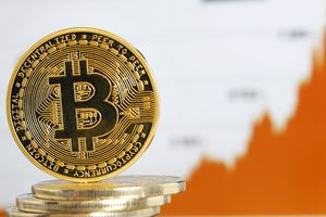 Giá Bitcoin hôm nay 23/7: Tiến tới sát ngưỡng 7.500 USD