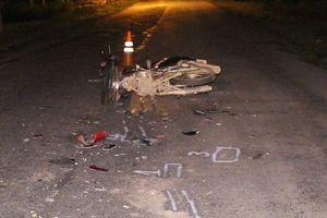 Phẫn nộ tài xế xe tải bỏ trốn sau va chạm khiến một chiến sĩ tử vong