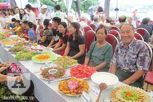 Khám phá đám cưới 'lạ' tại Hà Nội: Cỗ chay do bàn tay những người ăn chay trường nấu!