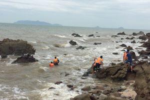 Thanh Hóa: Du khách tắm biển, một người chết, 1 người mất tích