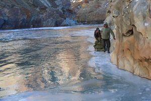 Tìm thấy xác lính Ấn Độ trên sông băng Himalaya