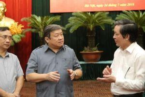 Các đại biểu dự hội nghị phân bón bàn cách hồi sinh ruộng đồng
