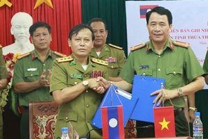Công an Thừa Thiên - Huế và Sở An ninh tỉnh Sê Kông ký kết biên bản hợp tác ANTT