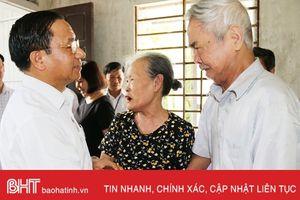 Bí thư Tỉnh ủy thăm hỏi, tặng quà gia đình chính sách tại TP Hà Tĩnh