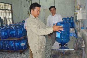 15 mẫu nước đóng chai và nước đá dùng liền ở Hà Nội không đạt chất lượng