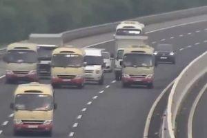 Triệu tập 3 tài xế xe khách nghênh ngang dàn hàng trên cao tốc Hà Nội-Hải Phòng