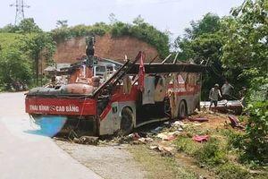 Cao Bằng: Khởi tố vụ xe khách giường nằm rơi xuống vực khiến 20 người thương vong