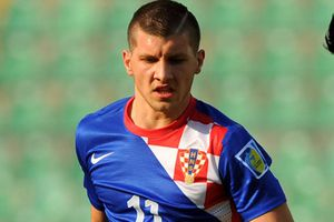 Sao trẻ Croatia trả nợ cho đồng hương
