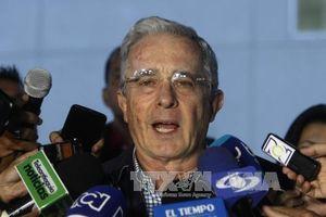 Cựu Tổng thống Colombia Alvaro Uribe từ chức Thượng nghị sĩ