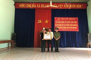 Trao Bằng 'Tổ quốc ghi công' của Thủ tướng Chính phủ cho thân nhân Liệt sĩ Lê Chí Phước