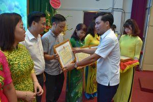 LĐLĐ quận Thanh Xuân: Biểu dương 100 gia đình CNVCLĐ tiêu biểu