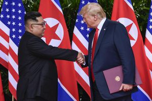 Trump bất ngờ ca ngợi 'quan hệ tốt đẹp' với Kim Jong-un