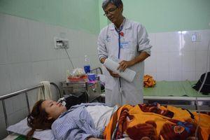 Cô giáo bị đánh thủng màng nhĩ ở Quảng Nam liên tục ngất xỉu
