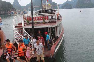 Đề xuất tăng giá vé thăm vịnh Hạ Long: Chờ HĐND tỉnh quyết