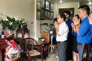 Dâng hương tưởng niệm liệt sĩ Đặng Thùy Trâm