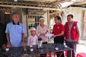 Hội Chữ thập đỏ Thanh Hóa hỗ trợ các gia đình nạn nhân sau cơn bão số 3