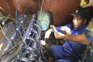 Cứu 5 ngư dân bị nạn trên Quần đảo Trường Sa