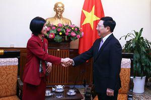 Phó Thủ tướng Phạm Bình Minh tiếp Đại sứ Canada