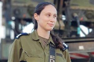 Nữ sĩ quan xinh đẹp Israel bắn hạ Su-22 Syria