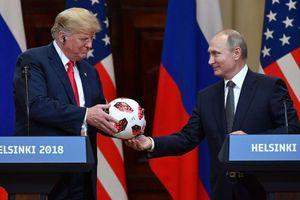 Quả bóng ông Putin tặng Tổng thống Trump có chứa chip truyền tín hiệu