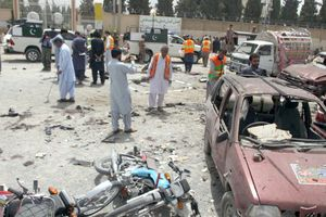 Pakistan bầu cử trong bạo lực