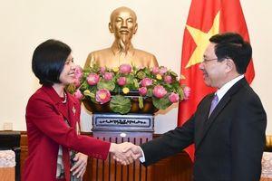 Phó Thủ tướng Phạm Bình Minh tiếp Đại sứ Canada chào từ biệt
