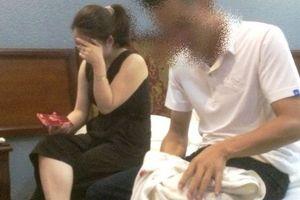 Cô giáo bị bắt quả tang 'tâm sự' trong nhà nghỉ với cán bộ CSGT