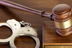 Bắt tạm giam nguyên nữ thẩm phán 'chạy án' 300 triệu đồng