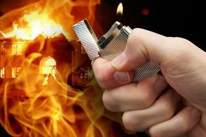 'Nhân viên bán ma túy' dùng xăng đốt hàng trắng hòng phi tang tang vật