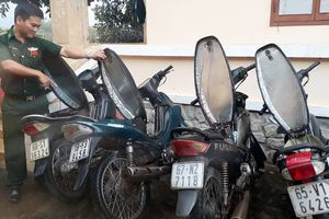 Hàng nghìn gói thuốc lá lậu dưới 6 yên xe máy