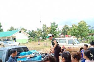 Vụ vỡ đập thủy điện: Những chuyến xe cứu trợ của Việt kiều tới với nhân dân Lào