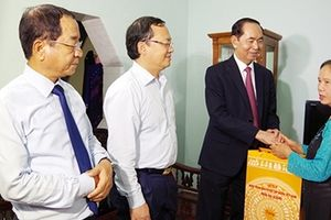 Chủ tịch nước Trần Đại Quang về thăm, làm việc tại tỉnh Hưng Yên